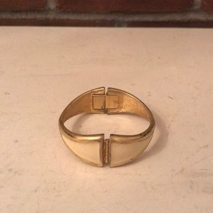Jewelry - Vintage bracelete